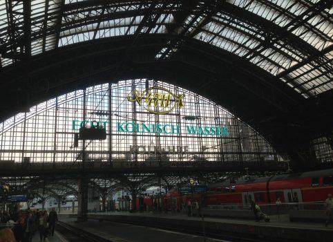 railway-station-509135_960_720